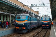 Zug 76, TschS7-032, TschS7-011, TschS7, Russland, Moskau, Belarussischer Bahnhof, 1524 mm, 27.07.2013