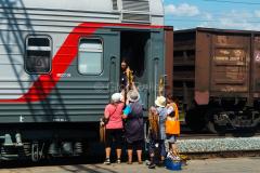 Russland, Händler, Bahnsteig, Bahnhof, 1524 mm, 28.07.2013