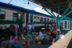 Zug 6, Samara, Russland, Händler, Bahnsteig, Bahnhof, 1524 mm, 28.07.2013