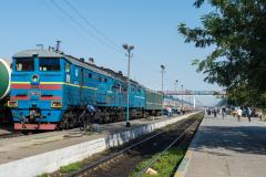 Zug 6, Turkestan, Kasachstan, Bahnhof, 2TE10M-3472, 2TE10, 30.07.2013