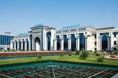 Usbekistan, Taschkent, Hauptbahnhof, Empfangsgebäude, 30.07.2013