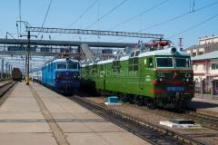 Zug 369, WL80-2411, WL80-2374, WL80, Schu, Kasachstan, Bahnhof, 01.08.2013