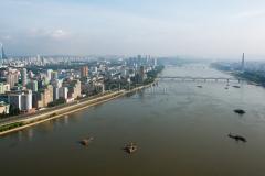 Taedongfluss, Skyline, Pjöngjang, Nordkorea, 15.08.2013