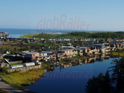 19.08.2004 - Siedlung am Ufer des Bajkal