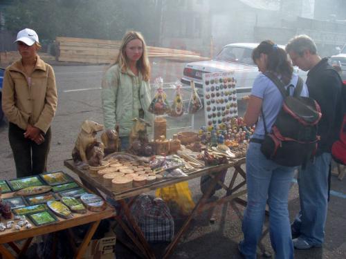 22.08.2004 - Souvenierstand auf dem Markt von Listwjanka
