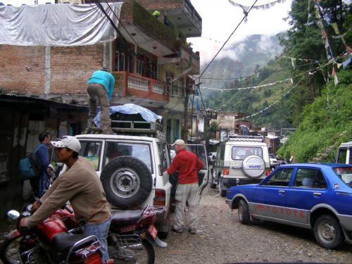 15.08.2007 - Kodari-Weiterfahrt per Gelaendewagen nach Kathmandu