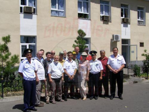 30.07.2007 - Taschkent - Gruppenbild im Depot