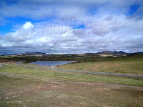 09.08.2007 - Tibet-Qinghai Highway auf der Hochebene an der Lhasa-Bahn