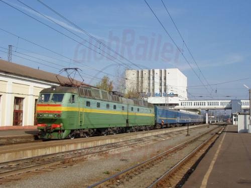 03.10.2003 - Zug 9 Bajkal im Bahnhof Wladimir