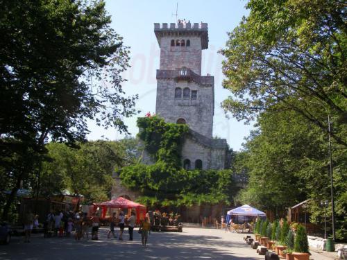07.08.2006 - Marcesta - Aussichtsturm auf dem Achun