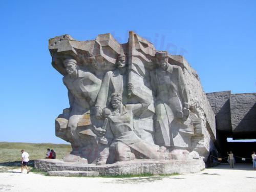 28.07.2006 - Kertsch-Adzimuschkaj-Gedenkstätte