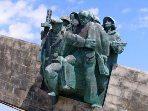 30.07.2006 - Noworossijsk-Denkmal im Hain der Pioniere