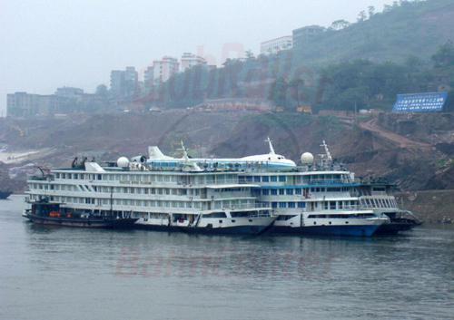 29.04.2003 - Flugschiff auf dem Jangtze